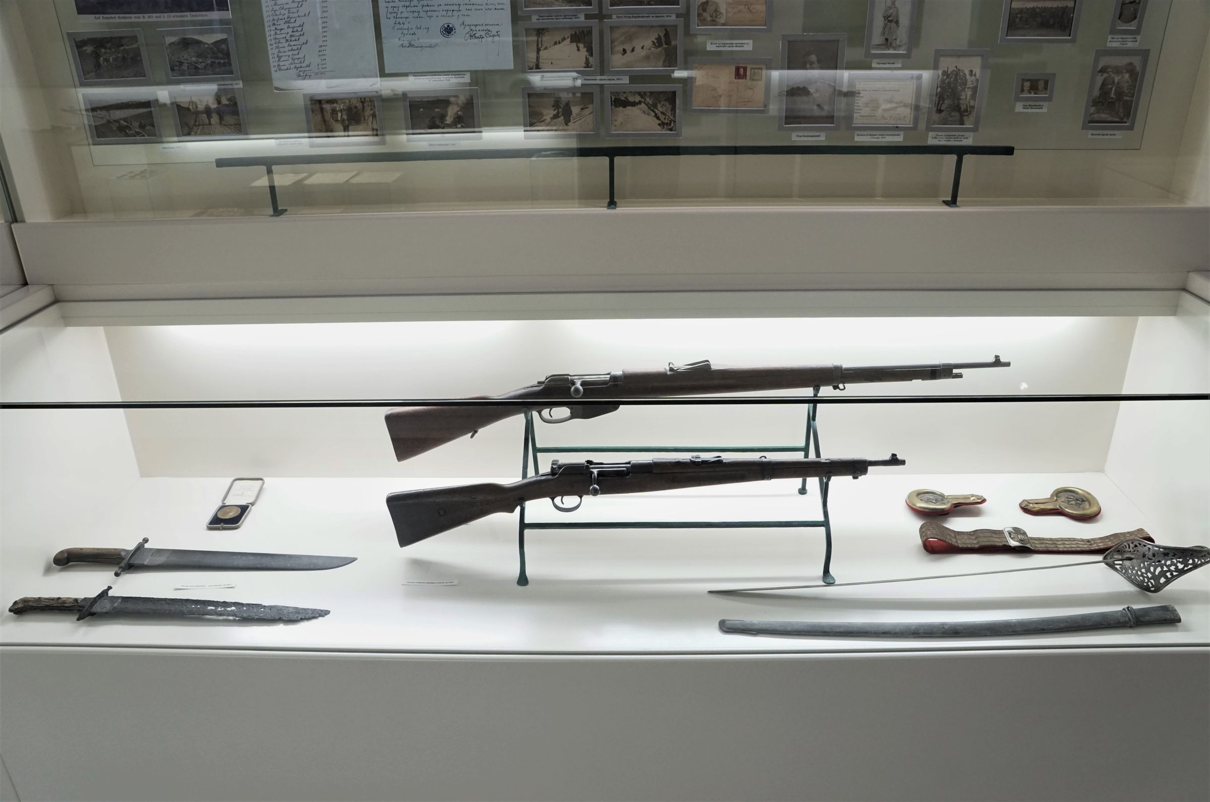 Display case with weapons used in World War I
